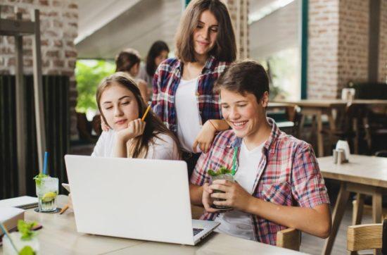 Ergenlerde Bilgisayar, Oyun ve İnternet Bağımlılığı